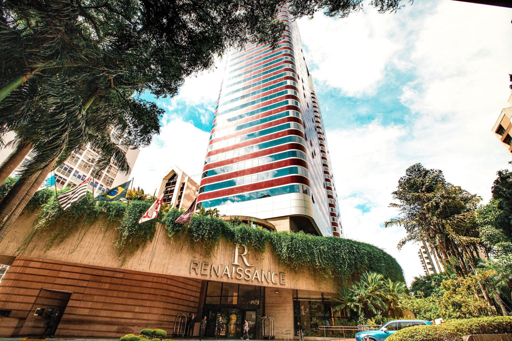 Fique + Renaissance Hotel